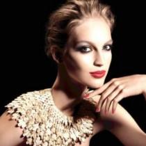 婚纱、化妆品